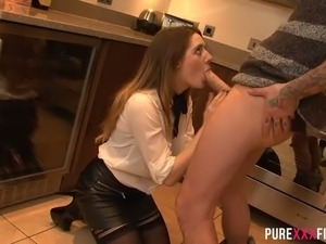Unsatisfied dark haired MILF fucks with courier at kitchen while her freak...