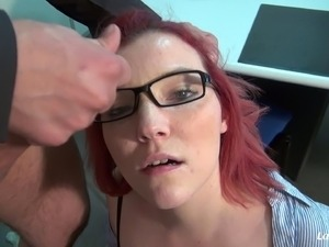 Sweet Rose Romane spreads her legs for a hardcore shag
