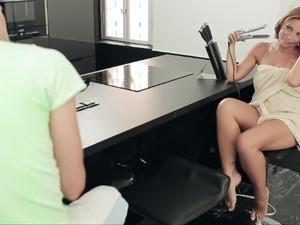 xxx brunette video sex