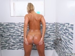 Kinky blond haired bootyful Candice Dare gets hammered hard in the shower