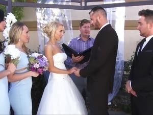 bride pussy licked
