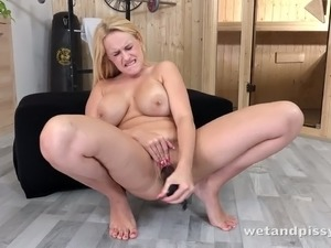 Sexy blonde Angel Wicky likes to masturbate in an effort to excite you