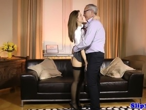 free mature nylon stocking sex