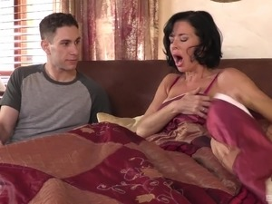 Mature brunette Veronica Avluv loves riding a massive cock