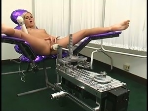 Courtney Simpson is getting fucked by a fucking machine in front of a doctor
