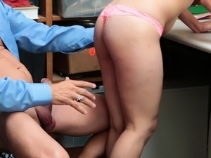 Sexy Sweety Penelope Gets Nailed For Theft