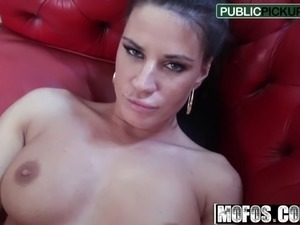 licking pussy in public