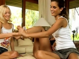 Two pretty and wicked lesbo teens lick and finger on cam