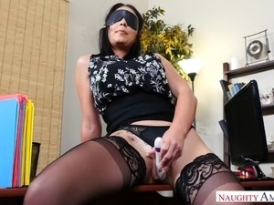 Stunning blindfolded curvy secretary Brooke Beretta is fucked in the office