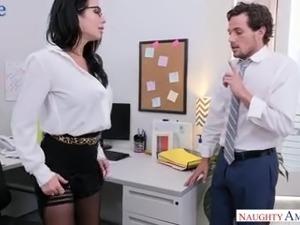 Incredibly hot big breasted brunette MILF Veronica Avluv is hammered hard