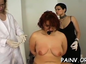 Lustful doxy gets some humiliation by anonymous fellow