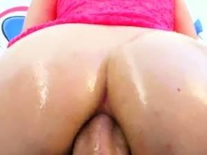 Striking babe shows huge ass and gets anus screwed17n17nfg