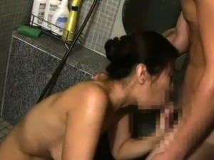Busty Japanese mom wraps her sexy lips around a young cock