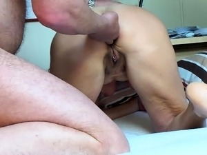 Lustful mature brunette gets her juicy anal hole fucked hard