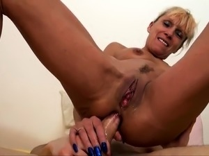 Big boobs amateur blonde girlfriend anal try out at home