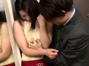 Slender Japanese babe getting sexually pleased by a masseur