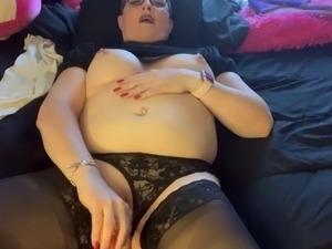 Naughtygirlzoey masturbating 32019
