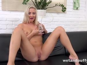 Cayla Lyons Incredible Solo Masturbation And Toys