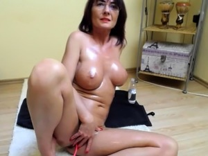 Horny Wife Hooker Takes Dildo In The Nice Ass