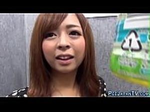 High heeled japanese ho pees