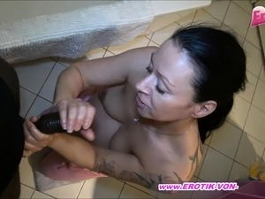 german amateur pregnant mother need money and make porn
